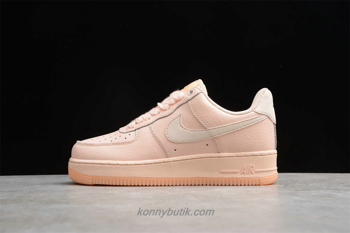 Nike Air Force 1 07 ESS Dame Sko Abrikos (AO2132 800)