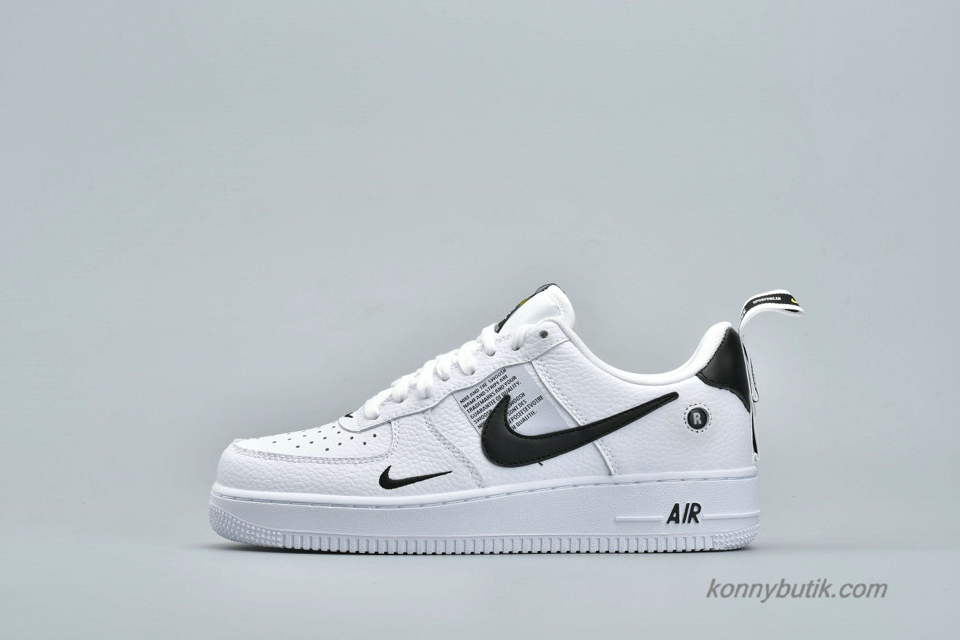Nike Air Force 1 07 Low Unisex Sko Hvid / Sort (AJ7747-100)