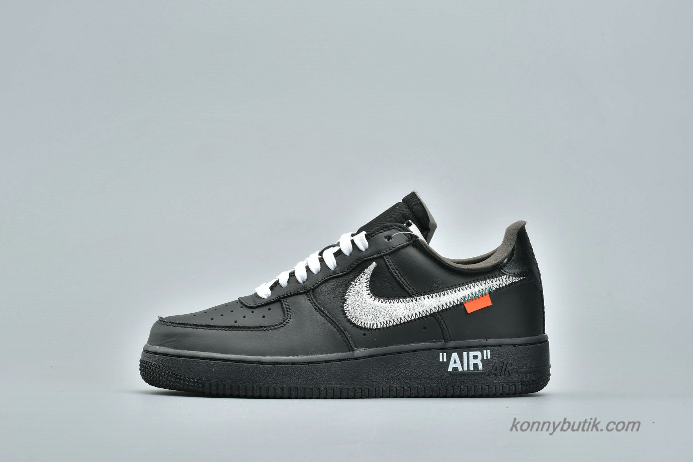 Off-White Nike Air Force 1 Low 07 VIRGIL x MOMA Unisex Sko Sort (AV5210-001)